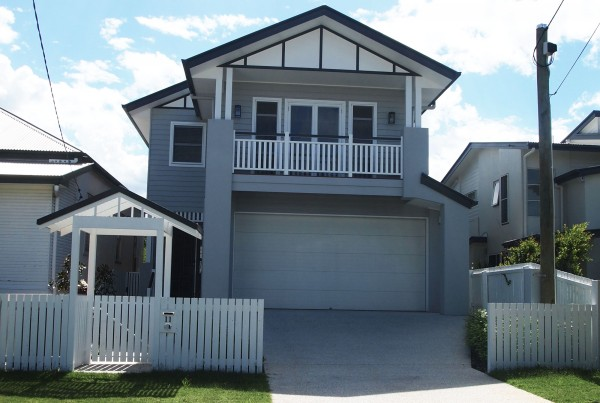 small-lot-house-hawthorne